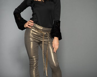 Elegant and comfortable Sequin stretch pants with flare foot and a belt