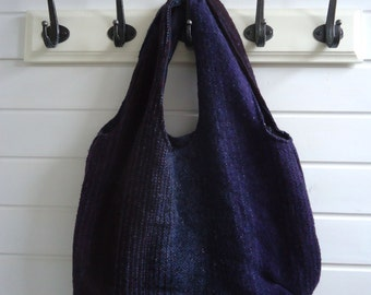 Reversible bag made of a tablecloth and fairtrade cloth
