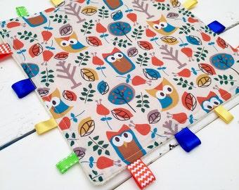 Owl Tag and Crinkle Blanket, Taggie Blanket, Owl Tag Blanket
