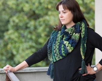 Crochet shawl colour green wiht tassels