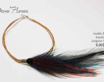 Bracelet (wrist) in feathers