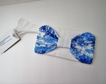 Bow Clutch Purse, Blue and White Wristlet Purse, Blue and White Clutch, Bridal Wristlet, Fabric Wristlet, Wedding Wristlet, Gift for Girl