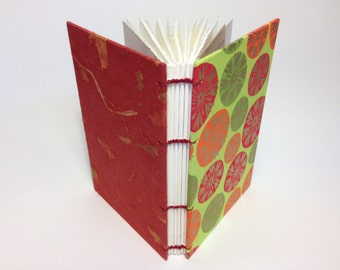 "4"" x 6"" Golden snowflakes dancing Medium Book"