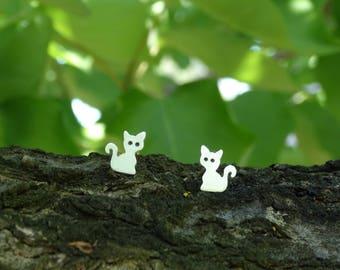 Silver cat earrings, Sterling silver cat earrings, Tiny Cat Stud Earrings, Cat earrings, Silver Cat Stud, Silver animal earrings, Cat lovers