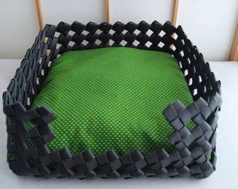 Pet bed, dog bed, cat bed, pet house, dog house, cat house, gift, black, green, Japanese, eco friendly