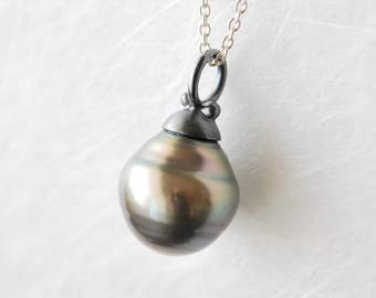 dark grey Tahitian Pearl, Pearl silver, blackened sterling silver, large Pearl necklace, pendant drop for you, handmade,.