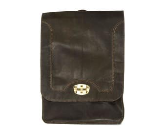 Briefcase Box Backpack With Brass Clasp | Coco Brown Hunter Leather