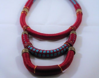 "Necklace multi strand red wax/leather ""Nani"""