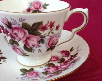 Queen Anne vintage tea cup, Teacup with pink flowers, Vintage teacup, Bone China teacup,  Teacup and saucer, Hightea cup