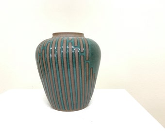 Nice piece of signed studio pottery free shipping