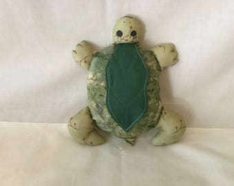 Green Turtle Medium