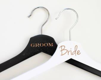 """Coat hanger set of 2 """"Bride/Groom"""" wedding dress / wedding suit / photo accessories"""