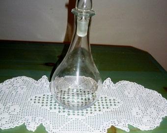 Old drop-shaped glass bottle is 900/Old bottle shaped teardrop ' 900