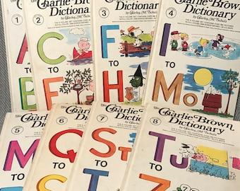 Vintage Charlie Brown Dictionary Set / Vintage Dictionaries / Schulz / Charlie Brown Book Set