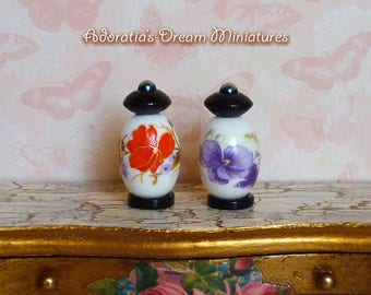 Dollhouse vase 1:12 scale. Chinese porcelain jar miniature 1/12. Crafted dollhouse accessory