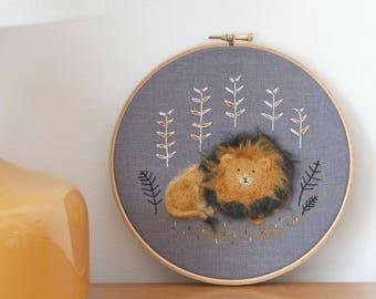 Lion Art, Lion Nursery Art, Lion Hoop, Needle Felted Lion, Hoop Art, Fibre Art, Fiber Art, Textile Art, Folk Embroidery, Cute Lion, OOAK Art