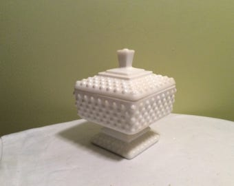 Vintage Fenton Milk Glass Hobnail Wedding Candy Dish With Lid