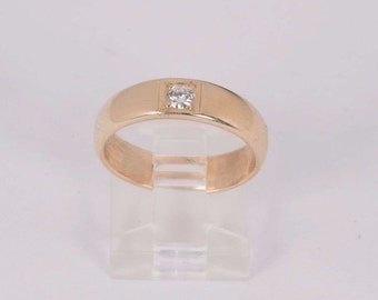 14K Yellow Gold 1/8ct Diamond Chip Band, size 6.5