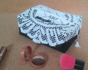 Toiletry case black and white with doily