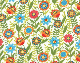 """BTHY - Bloomin' Fresh by Deb Strain for Moda, #19661-16 Clean White Fresh Blooms, Green, Red, Yellow 1.25"""" - 1.5"""" Flowers, by HALF YARD"""