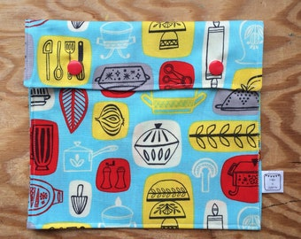 Sandwich bag / backpack snack / lunch / lunch box.