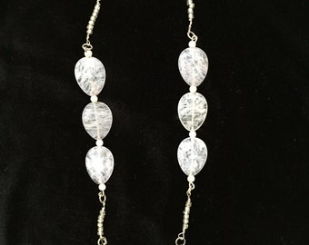 White and Silver Beaded Link Necklace