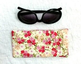 Sunglasses case, sunglasses pouch, floral sunglases case, glasses case, sunglasses storage, handbag accessories, quilted sunglasses case