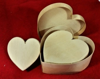 Three Nesting Heart-shaped Chipwood Boxes (vintage)