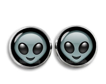 Alien Stud Earrings Emoji Earrings Emoji Alien Stud Earrings Cute 12mm earrings Geeky
