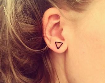 Small triangle earrings, small triangular studs, black matte earrings, Simple, cute, fashion earrings, minimal earrings, cute triangle studs