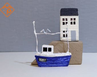St Ives Cornwall harbour themed tin & wooden crafted ornament FREE SHIPPING