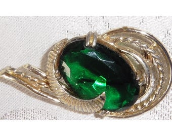 Vintage HOLLYWOOD signed Brooch with large green cut stone