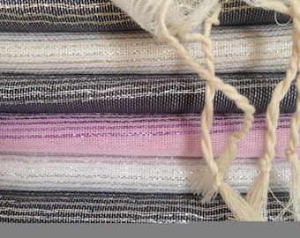 The silver or gold stripes scarf