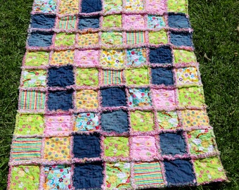 Denim Little girl Rag Quilt 34x41 pink denim bright flowers