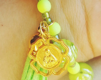 Lime Rose Sculpted Beads Bracelet