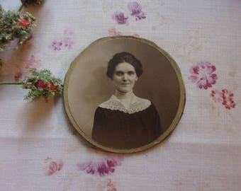 Pretty old photo, young woman