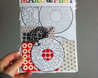 Make your own doughnuts garland - Kids paper craft making pack, colouring, sticking, creative activity