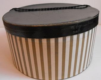 "Veola Modes Hatbox 13-3/4"" dia.  Vintage   (569)"