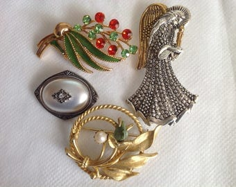 Brooch Lot, Sarah. Coventry, M Jent, Avon 4 Pins