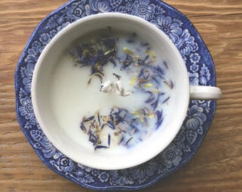 Natural candle in Cup vintage blue