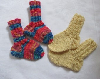 2 Pack Twin Pack baby socks hand made about Gr. 16/17 foot approximately 10 to 11 cm