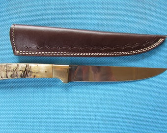 Custom Handmade Stainless Steel 440C Knife with Rams Horn Handle Includes a Brown Leather Sheath