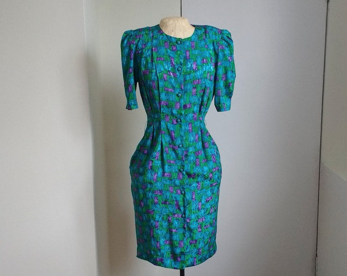 Vintage spring dress, colourful light summer dress, suitable for work dress, retro 1970s 1980s, green blue and purple, spring launch green