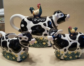 5 Piece Set of Youngs Exclusives Cow Teapot, Sugar and Creamer/ Salt and Pepper Shakers