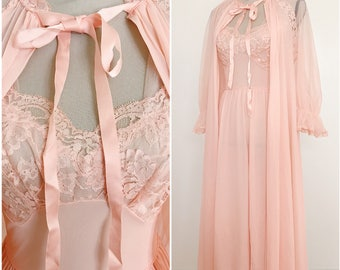 Vintage mid century peach robe and gown peignoir set