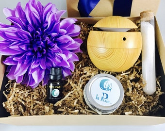 Essential Oil Diffuser Humidifier, LED Ultrasonic Diffuser Mist Humidifier USB Gift Set, Gifts fo Him and Her.