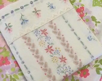 Floral stripe pattern / Springmaid Wondercale Double/Full flat sheet