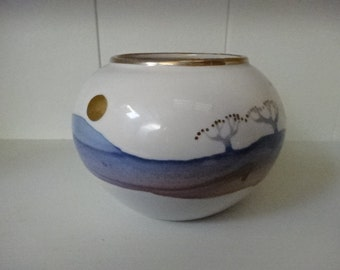 Hand Painted Pot/Hand decorated in 22ct Gold/ Wales