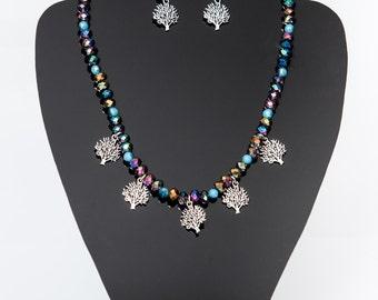 Multicolor metallic beaded necklace