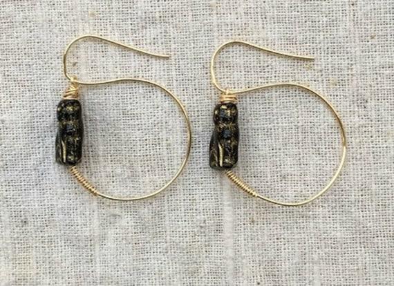 Cat earrings, cat jewelry, black cat earrings, gold hoop earrings, roman earrings, cat lover gift, animal earrings, cat hoop earrings